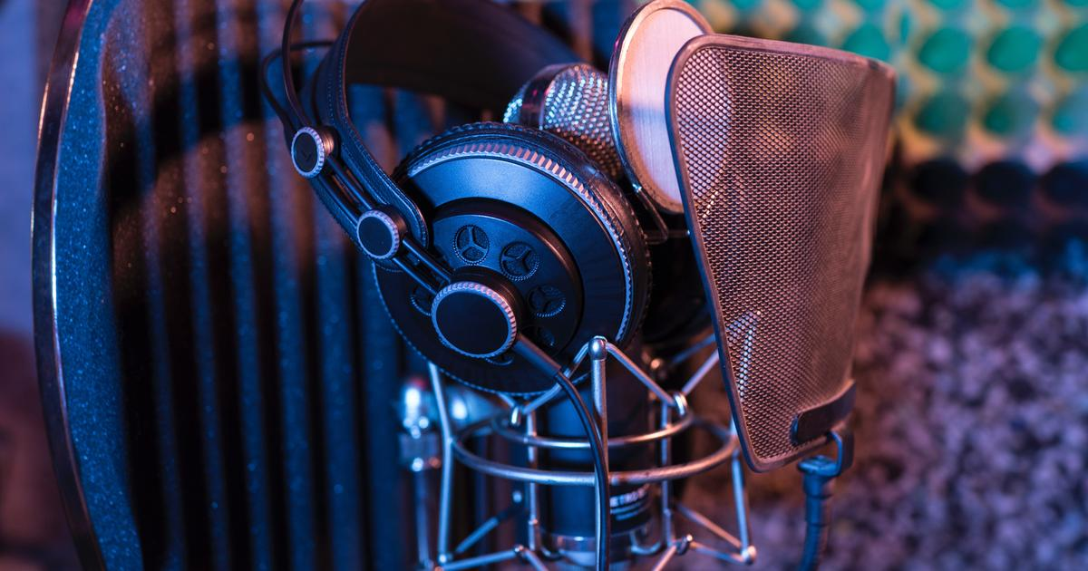 How Voiceover Actors Can Find Work in Commercial, Radio Imaging + 3 Other Areas