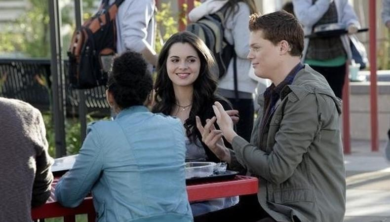 Switched At Birth Actors Talk Tv S First All Sign Language Episode And Roles For Deaf Actors