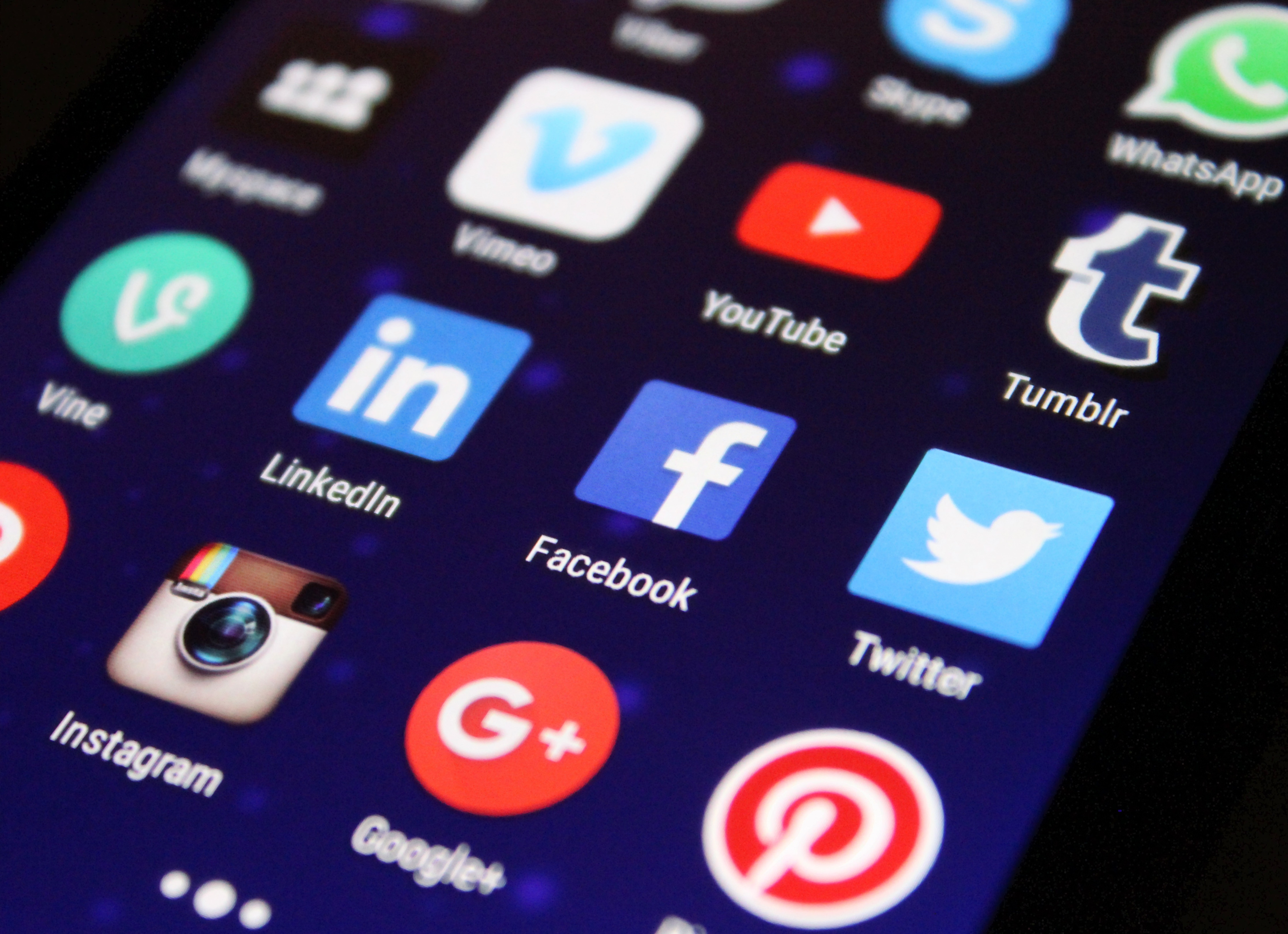 A Guide to Social Media for Actors Who Hate Social Media