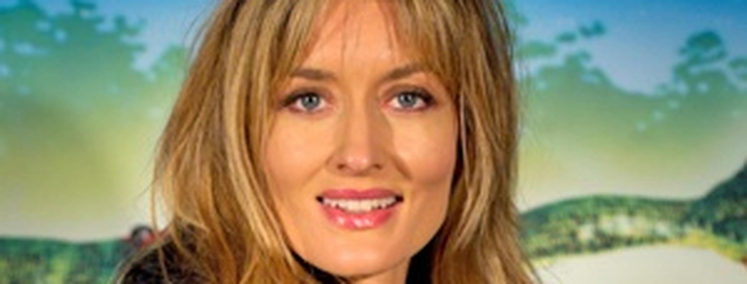natascha mcelhone gets laughs on 'californication'