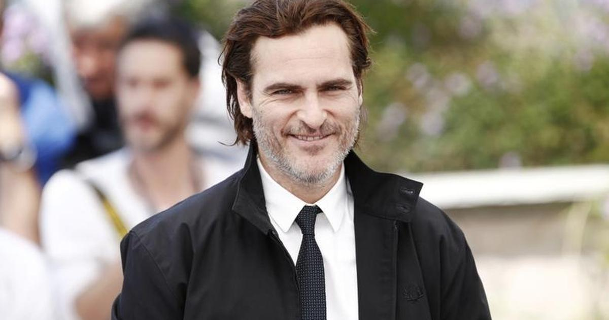 Now Casting: Warner Bros. Film 'Romeo' Starring Joaquin Phoenix Needs Actors to Play Gala Guests + 3 More Gigs