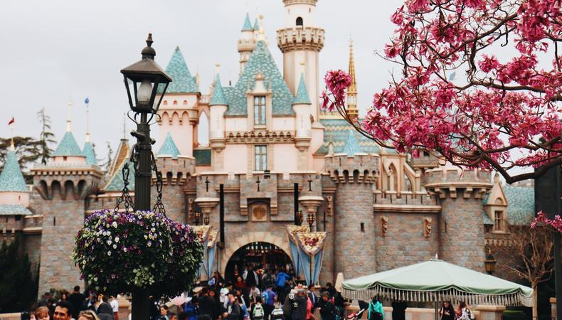 Uk Casting Join The Cast Of Disneyland Paris