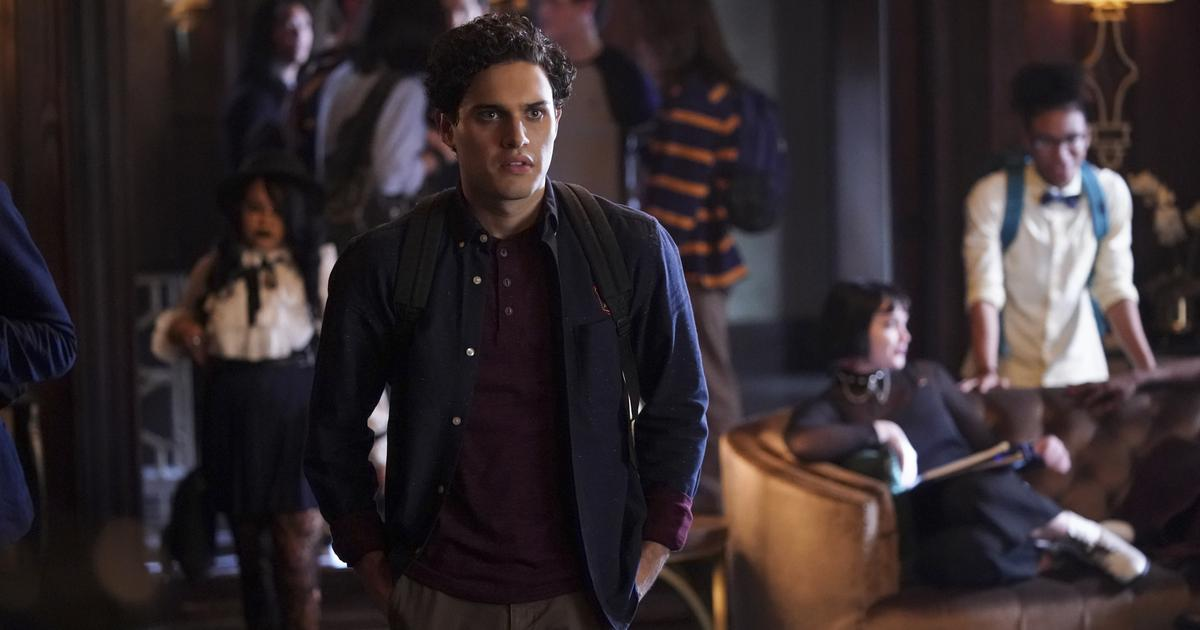 Now Casting: Play Vampires, Werewolves, and Witches on the CW's 'Legacies' + 3 More Gigs