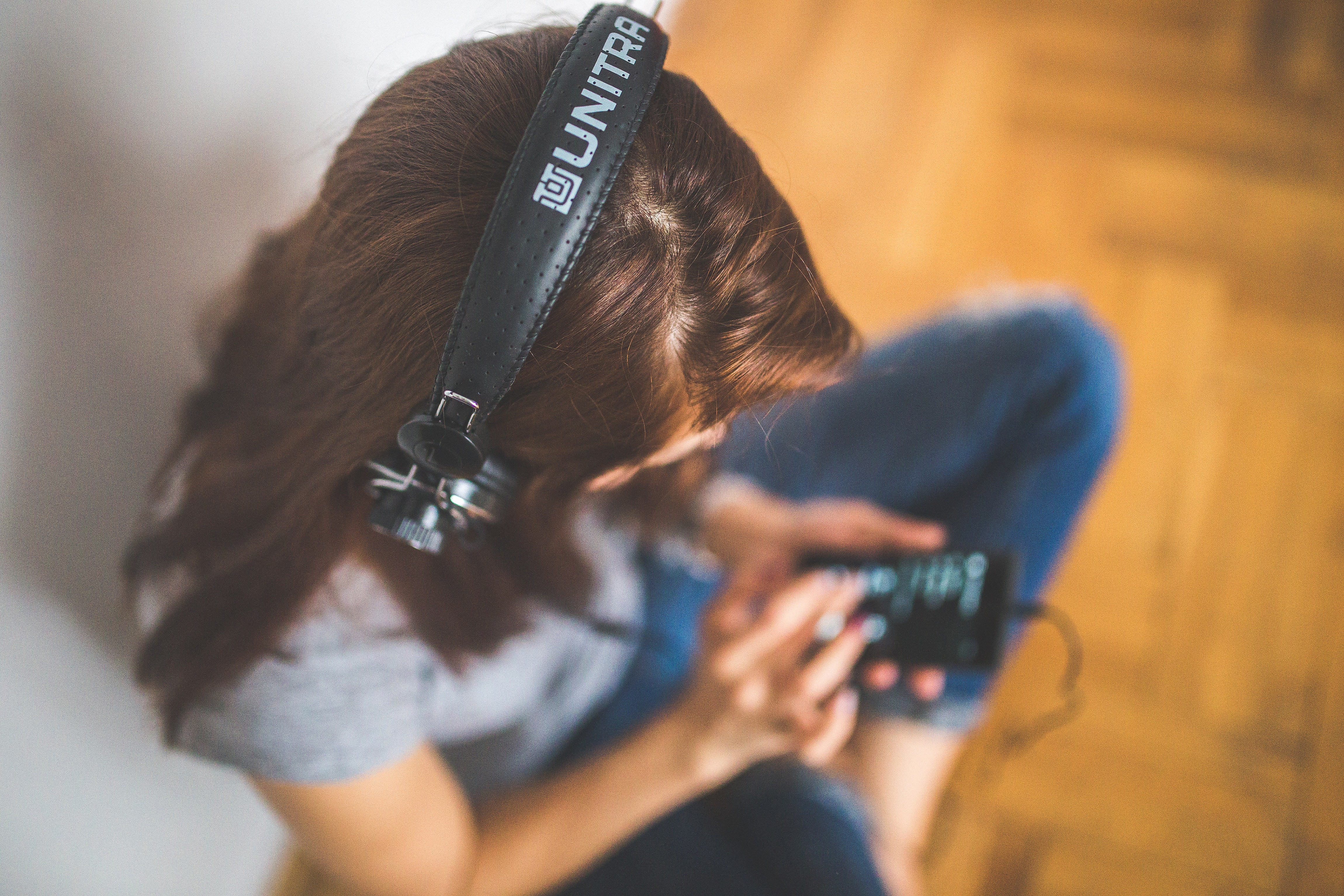 4 Ways to Book Your First Audiobook Narrator Gig