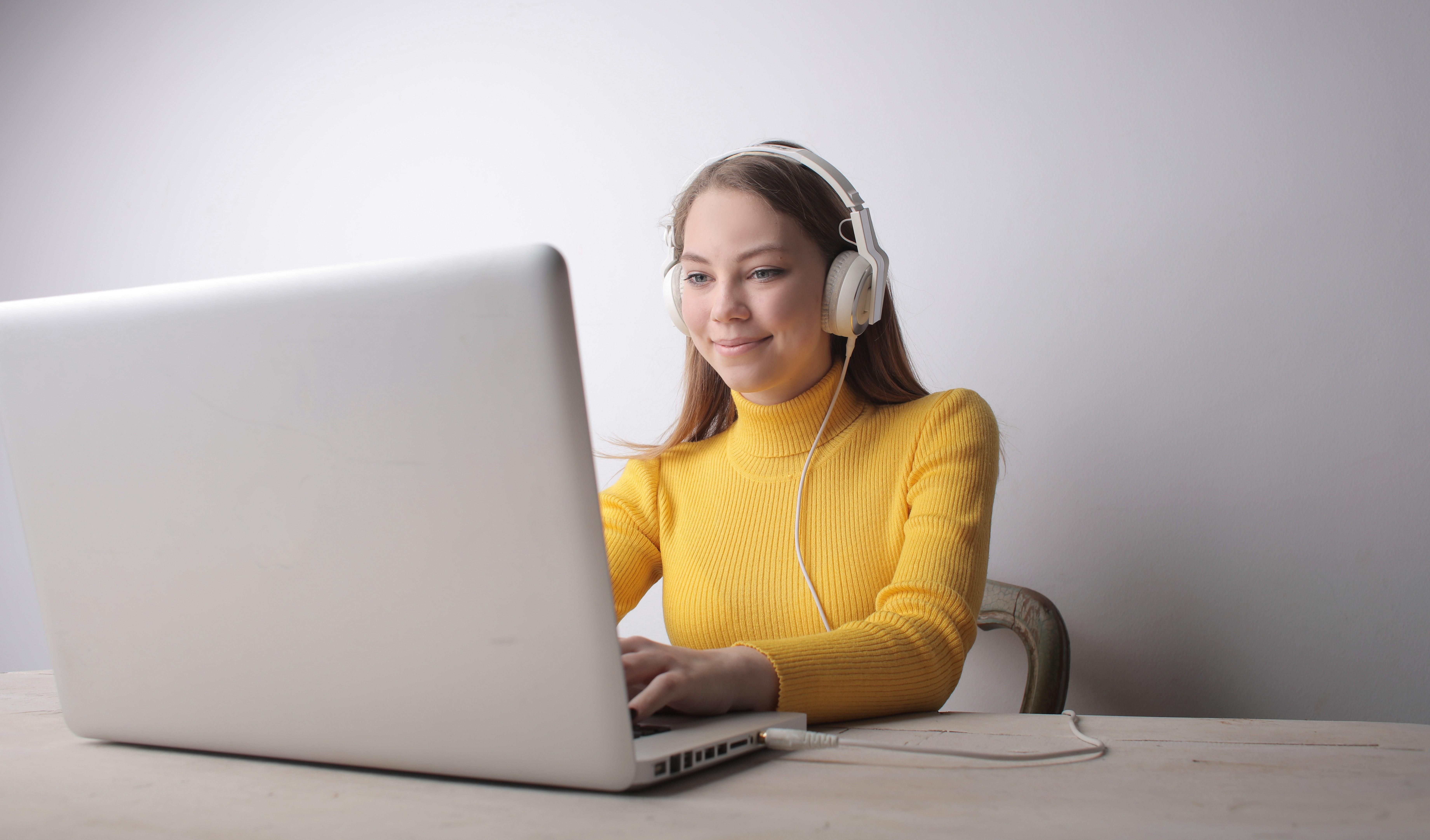9 Online Video Etiquette Tips for Voice Actors