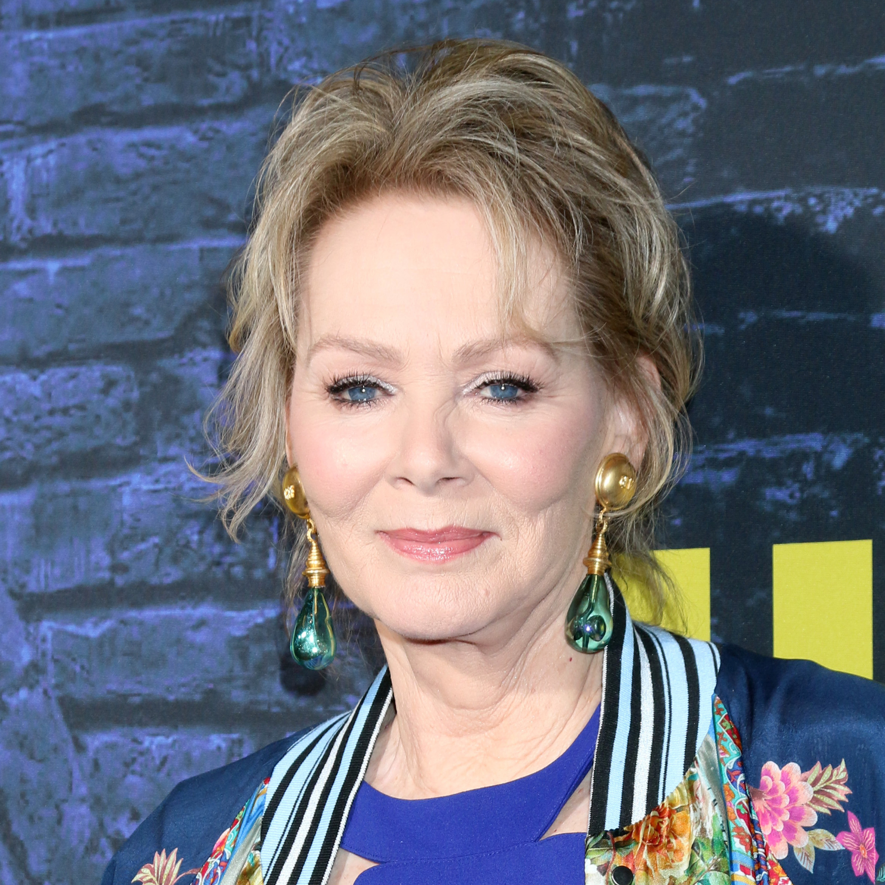 'Watchmen' Emmy Nominee Jean Smart Takes Us Behind Her Character-Building Process