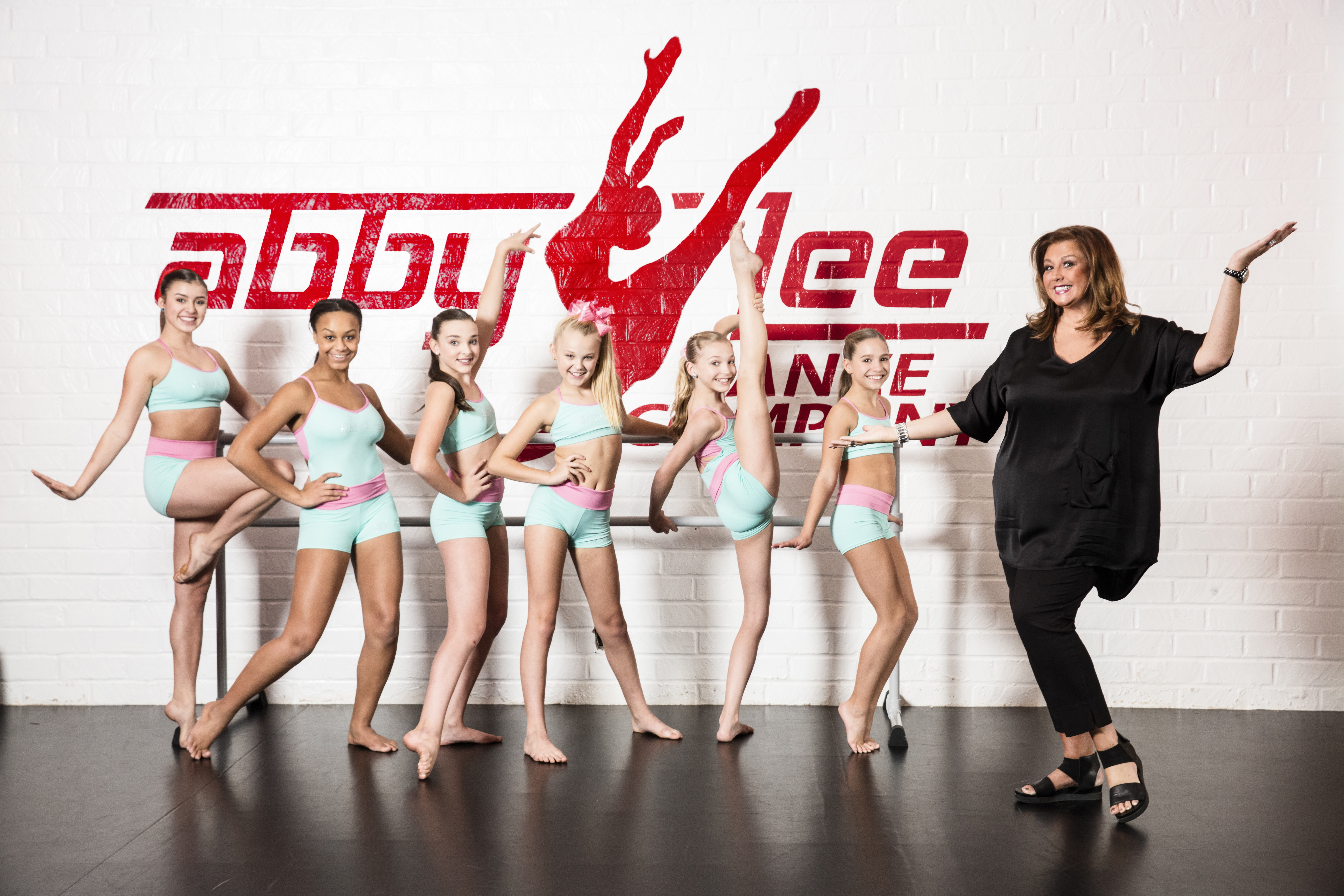 Kids Now Casting New Season Of Dance Moms Seeking Young Dancers And Their Moms More Gigs