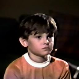 Watch 10 Year Old Henry Thomas Books The Job In E T