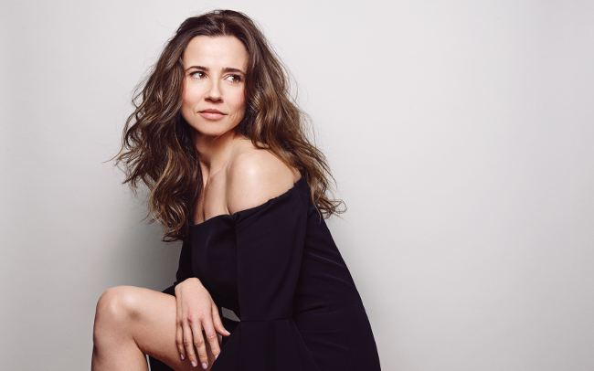 Linda Cardellini's Successful Second Career | Backstage