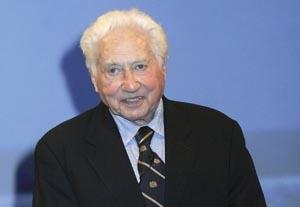 'On the Waterfront' Screenwriter Schulberg Dies, 95