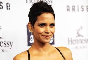 Halle Berry Pulls Out of 'New Year's Eve,' Replaced by Katherine Heigl