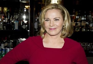 Kim Cattrall Proves to be no Coward on Broadway