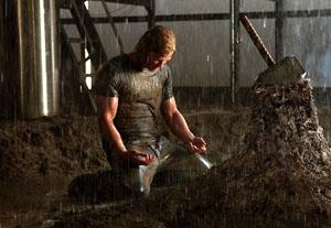 Chris Hemsworth Nominated for Orange Rising Star Award