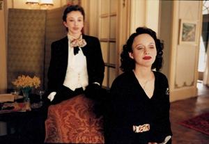 Jennifer Aspen on Marion Cotillard in 'La Vie en Rose'