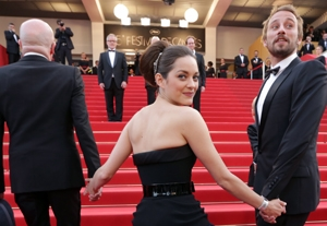 Cannes: Cotillard Stars in 'Rust & Bone,' Plus Surprise Musical Performances