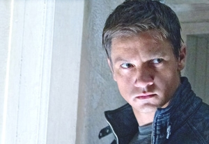 Tim Grierson Reviews 'The Bourne Legacy' and 'The Campaign'