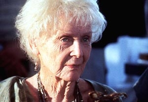 'Titanic's' Gloria Stuart Dies at 100