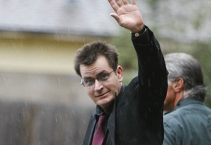 Charlie Sheen Leaves Hospital, Will Return to 'Two and a Half Men' Tuesday