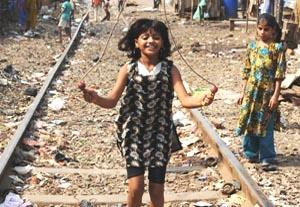 India Probes Dispute Over 'Slumdog' Actor