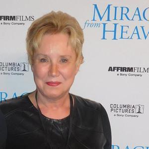 Dr. Diane Howard - 2, Dr. Diane Howard, Miracles From Heaven Red Carpet, interviewer, journalist.JPG