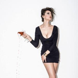 Sarah Villegas - drink