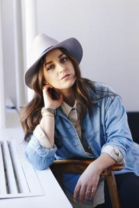 Susanna Merrick - headshotnew2.JPG