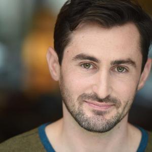 Kyle Leibovitch - Jordan Matter Headshot Green 1.jpg