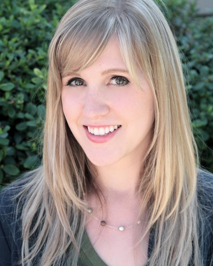Samantha Hollon - Commercial Headshot