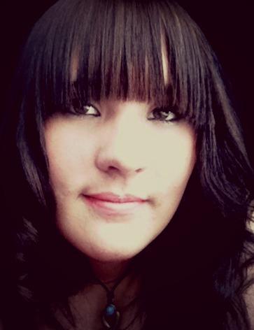 Amanda Loscar - me5