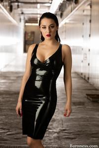 Sarah Villegas - Baroness-3919.jpg
