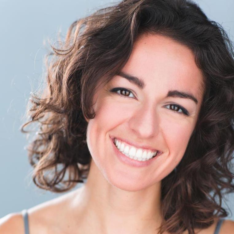Kristen DiMercurio - Corinne Headshots Smile.jpg