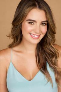 Lauren Mungo - Lauren Mungo Headshot 2015.jpg