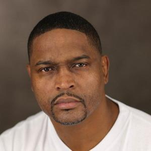 DERRICK D GILLIAM - DG Headshot.jpg