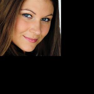 Anna Grossman - Headshot