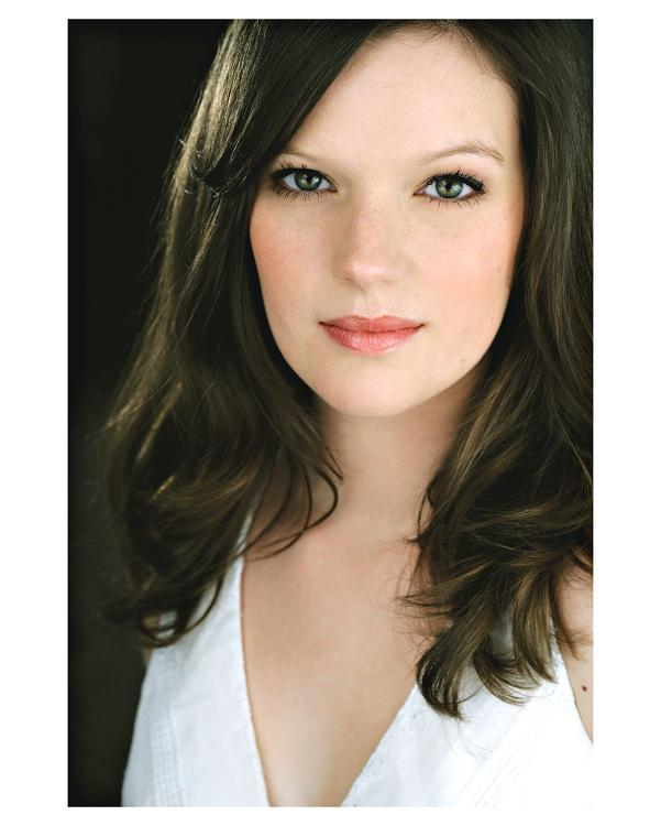 Natalie Lurowist - Headshot 1