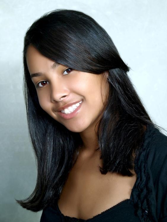 Lianna Gonzalez - LG