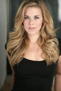 Heather Lundstedt - headshot 4