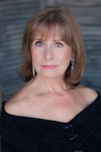 Alison Brown - pretty