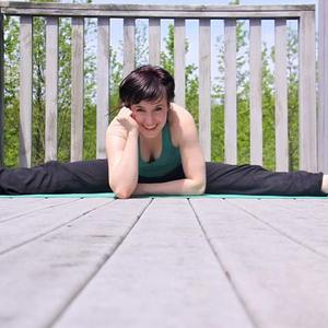 Kate Brennan - Split Yoga