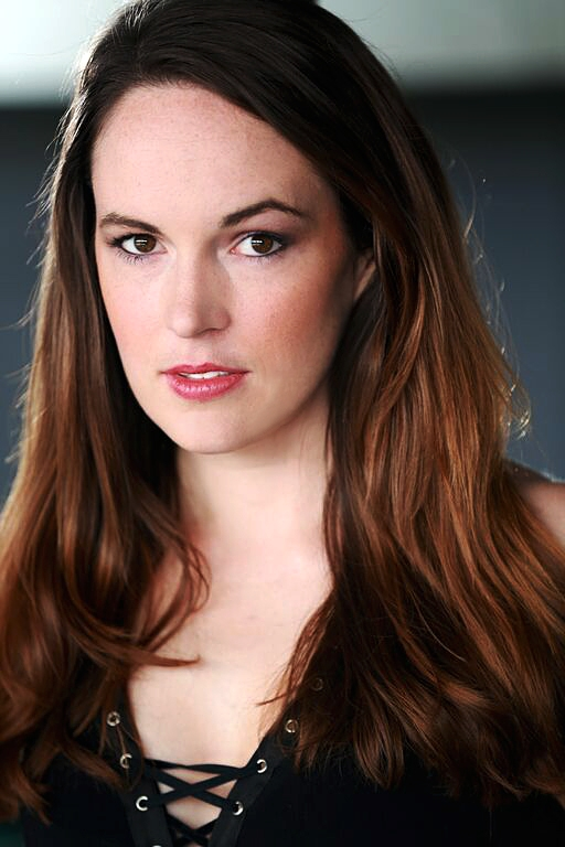 Sarah Nicklin - dark-gnd