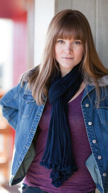Danielle Gendron - Headshot