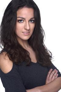 Kristen DiMercurio - New Headshot Grey Large