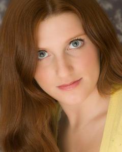 Carolyn Wells - Headshot 2
