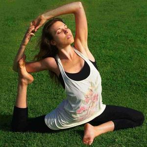 Annie Freeman - Annie Freeman Yoga