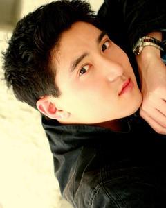 Joshua Chang - Headshot2