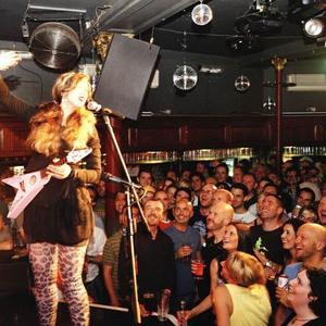 Jessica Delfino - Jessica Delfino on tour