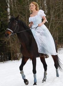 Anna Troyanskaya - horse riding