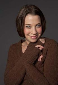 Amy Benson - Amy Benson Headshot