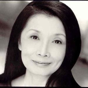 Atsuko Dachs - Headshot
