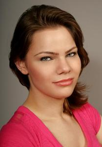 Heather Roiser - Heather Roiser Headshot